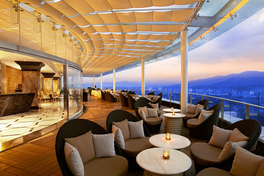 Tempat Dinner Romantis di Bandung_Blog-new update mei2020_The 18th Restaurant and Lounge