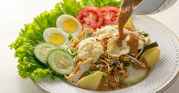 Tempat Makan Legendaris di Jakarta - Gado-Gado Bon Bin