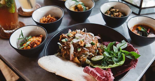 Tempat Makan di Malang yang Enak - Cafe Sawah