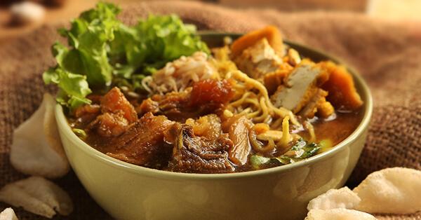 Tempat Makan di Malang yang Enak - Tahu Campur Pak Kumis