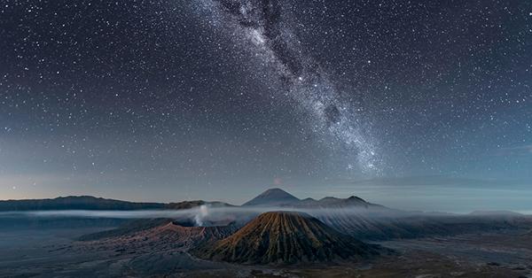 Tempat Melihat Bintang di Indonesia - Gunung Bromo