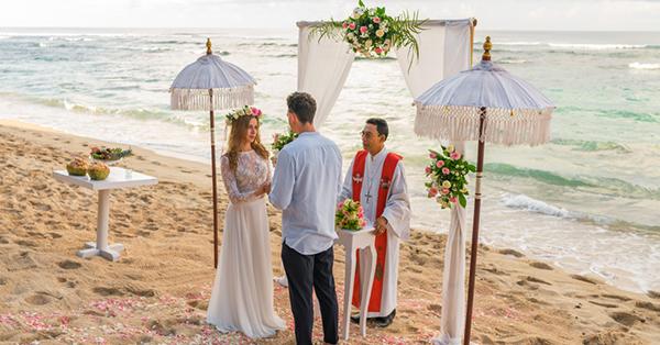 Pre-wedding Locations in Bali_Melasti Beach