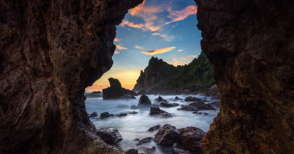 Tempat Wisata Alam di Jogja - Pantai Watu Lumbung