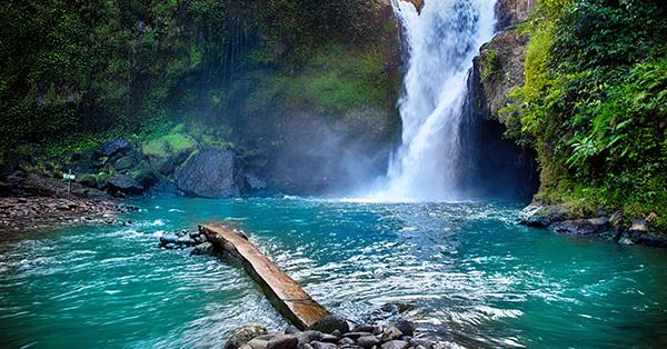 Tempat Wisata Romantis di Bali - Tegenungan Waterfall
