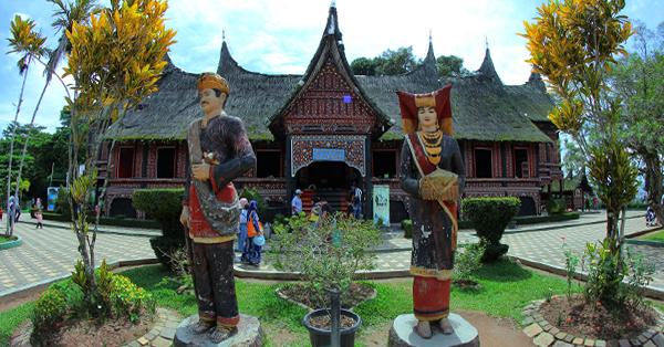 Tempat Wisata di Bukittinggi - Museum Rumah Adat Baanjuang