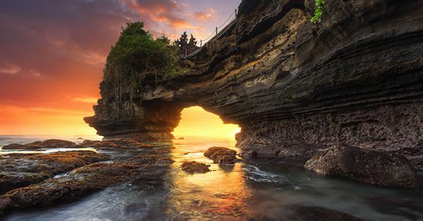 Tempat Wisata di Mataram - Pantai Batu Bolong
