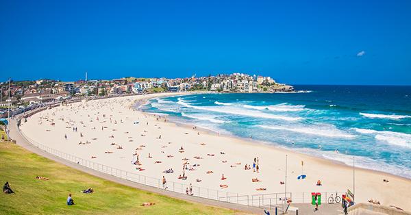 Tempat Wisata di Sydney - Bondi Beach
