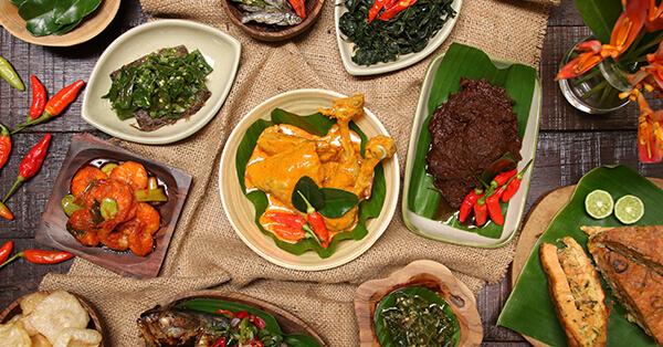 Tips Wisata Bersama Orang Tua - Pilih Tempat Makan Sesuai Selera Orang Tua