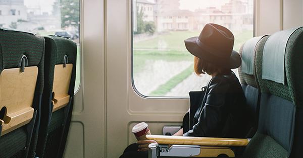 Trik Jitu Liburan ke Luar Negeri dengan Bujet Minim-Gunakan Transportasi Umum
