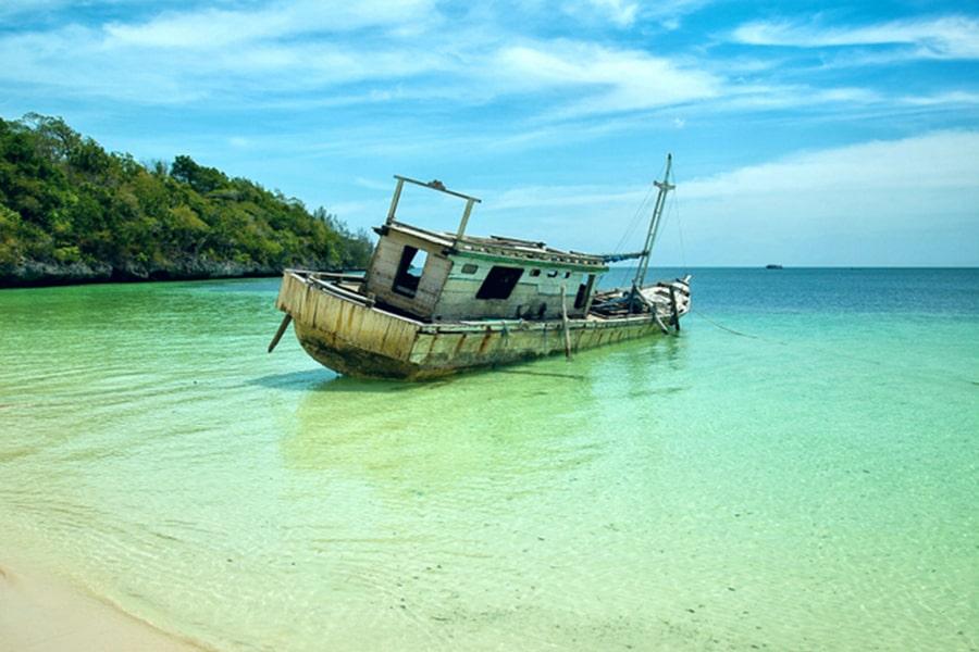 Jelajahi Keindahan Pulau Selayar Cara Ke Sana Tempat Wisata Dan Tips Tiket Com
