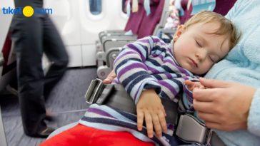 naik pesawat bersama bayi