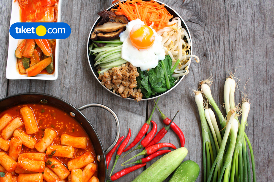 5 Fun Activities to Do at Home that Will Remind You of South Korea