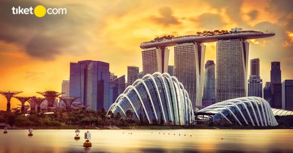 Main ke Singapura