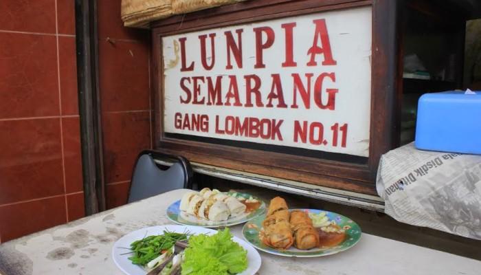 Makanan Khas Semarang - Lumpia gang Lombok
